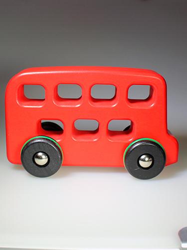 Legetøjs bus i træ